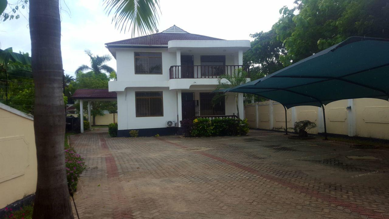 House for rent at Oysterbay